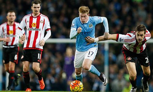 Man City 4-1 Sunderland: Rũ bùn đứng dậy