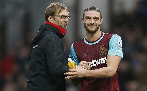 Người cũ Carroll gieo sầu cho Liverpool