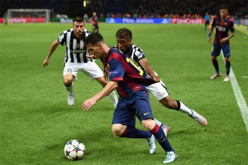 Messi giành danh hiệu Vua kiến tạo năm 2015