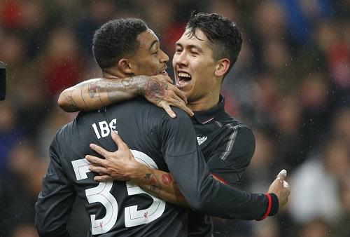 Vượt ải Stoke, Liverpool tiến gần chung kết Cup Liên đoàn