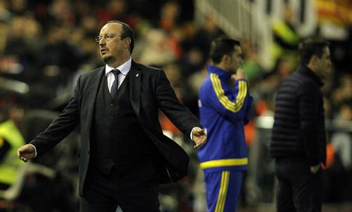 Real giấu Benitez chuyện sa thải