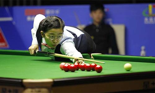Nữ cơ thủ vô địch thế giới tranh tài ở giải của nam