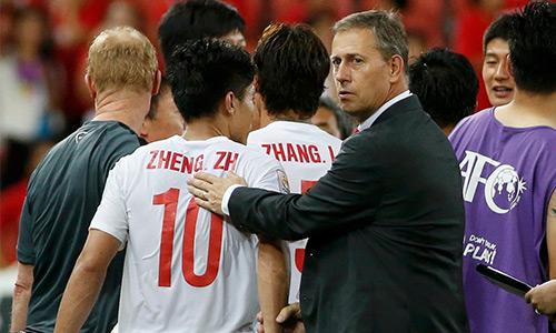 Bóng đá Trung Quốc quảng cáo tìm HLV cho ĐTQG