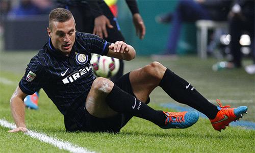 Nemanja Vidic kết thúc sớm hợp đồng với Inter