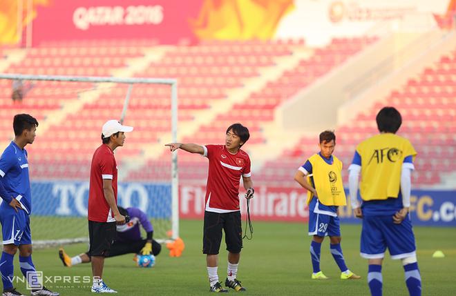 Thầy trò Miura vui vẻ tập luyện sau trận thua - ảnh thể thao