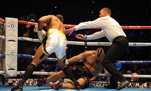 David Haye thắng knock-out trận đầu trở lại với quyền anh