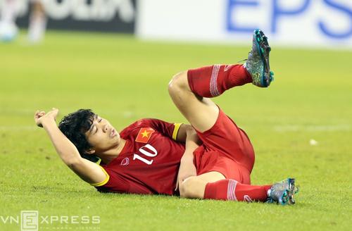 CLB J-League 2 tính đưa Công Phượng sang Nhật điều trị