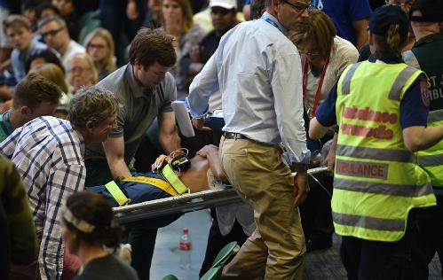 Bố vợ Murray ngất xỉu giữa trận đấu của Ivanovic