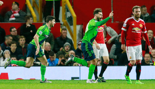 Man Utd bại trận tại Old Trafford, xa rời top 4