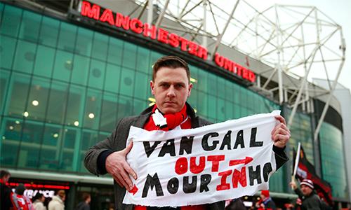 Mourinho bị đồn gửi thư tự ứng cử với Man Utd