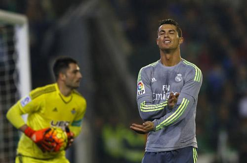 Ronaldo đang đánh mất mình ở những trận cầu lớn của Real