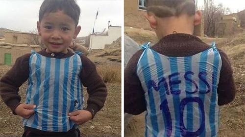 Cuộc truy tìm cậu bé mặc áo nilon in tên Messi gây xôn xao trên mạng