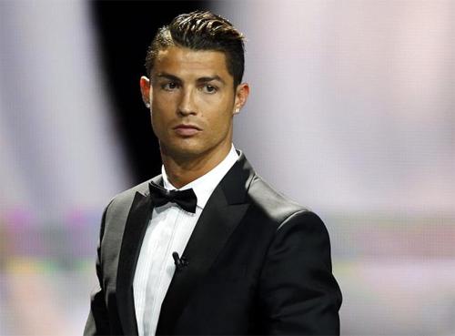 Ronaldo chi 150 triệu đôla mua khách sạn của ứng viên Tổng thống Mỹ