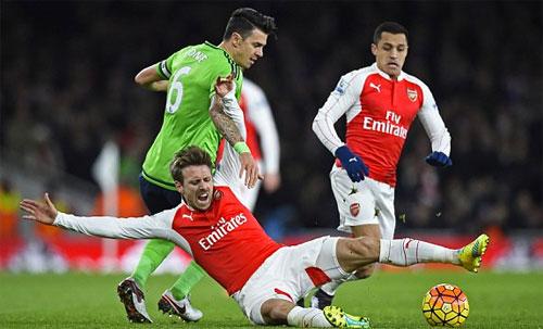 Hoà Southampton, Arsenal tụt xuống thứ tư