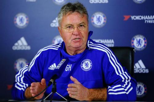 Hiddink: 'Terry còn khả năng ở lại Chelsea'