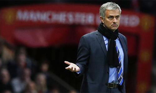 Mourinho ký ba năm với Man Utd, lĩnh lương ngang Guardiola