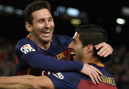 Suarez lập hat-trick, Barca giành chiến thắng kiểu quần vợt