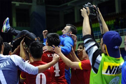 HLV tuyển futsal Việt Nam tiết lộ bí quyết hạ bệ Nhật Bản
