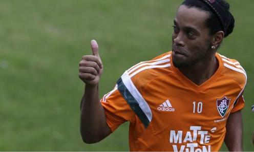 Newcastle từ chối ký hợp đồng với Ronaldinho