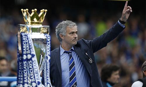 Chelsea cảm ơn, tặng quà Mourinho hai tháng sau ngày sa thải