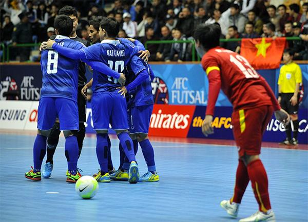 Việt Nam thua Thái Lan 0-8 trong trận tranh HC đồng châu Á