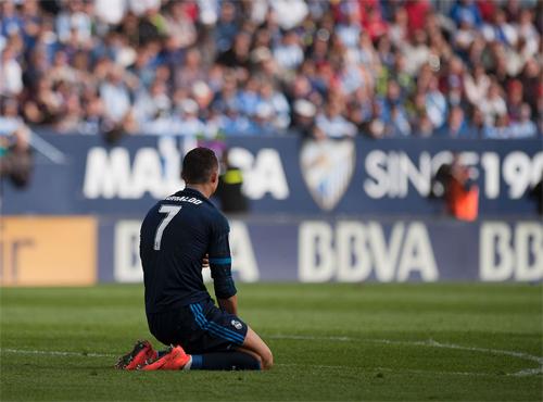 Ronaldo đá hỏng phạt đền, Real mất điểm trước Malaga
