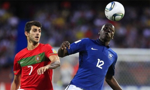 Deschamps theo dõi nhầm cầu thủ không thể khoác áo tuyển Pháp