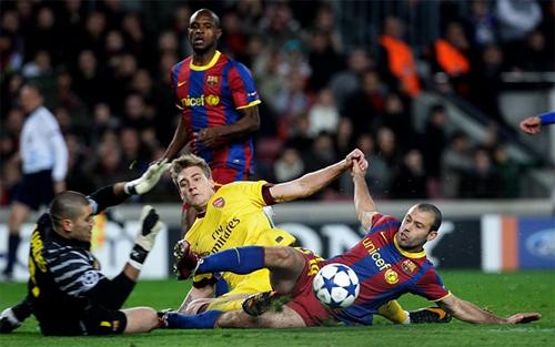 Mascherano và cú xoạc làm thay đổi sự nghiệp khi gặp Arsenal