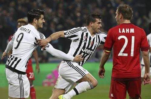 Juventus cầm hòa Bayern dù thua trước hai bàn