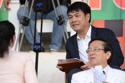 Hôm nay HLV Hữu Thắng ký hợp đồng dẫn dắt tuyển Việt Nam