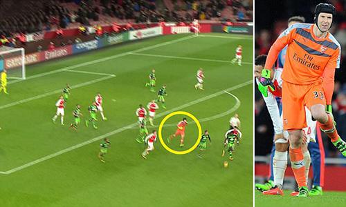 Arsenal mất Petr Cech khi làm khách tại Tottenham