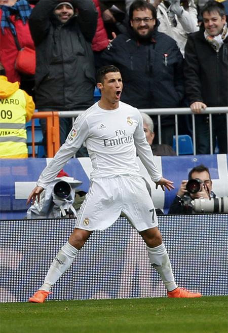 Ronaldo nhảy vọt qua Suarez trong cuộc đua Vua phá lưới Liga