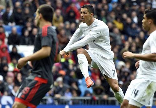 Ronaldo ghi bốn bàn, Real thắng đối thủ mạnh với tỷ số 7-1