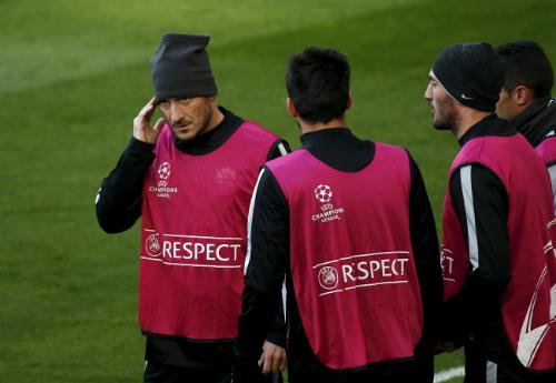 HLV Roma kêu gọi học trò làm điều 'không thể' trước Real