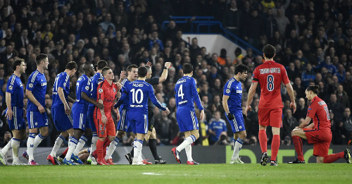 Ibrahimovic: 'Những đứa trẻ Chelsea cần đàn ông hơn'