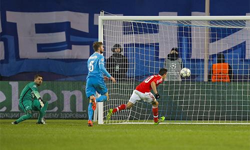 Benfica vào tứ kết sau màn ngược dòng trên sân Zenit