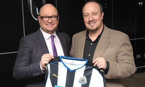 Benitez trở lại Ngoại hạng Anh