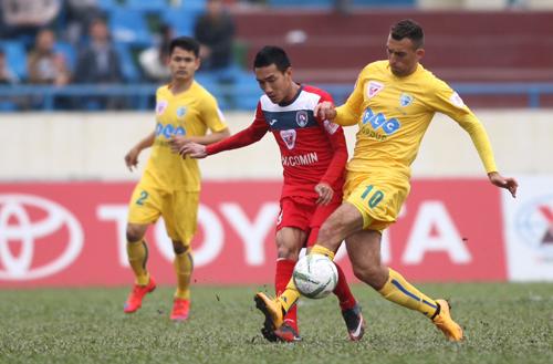 Cầu thủ từng đá Europa League giúp Thanh Hoá hạ Quảng Ninh