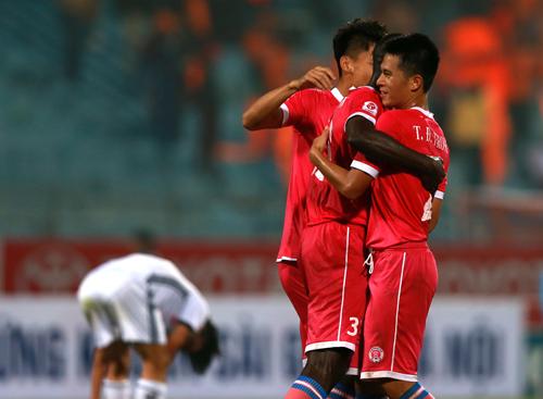 CLB Hà Nội chia tay thủ đô bằng trận thắng đậm