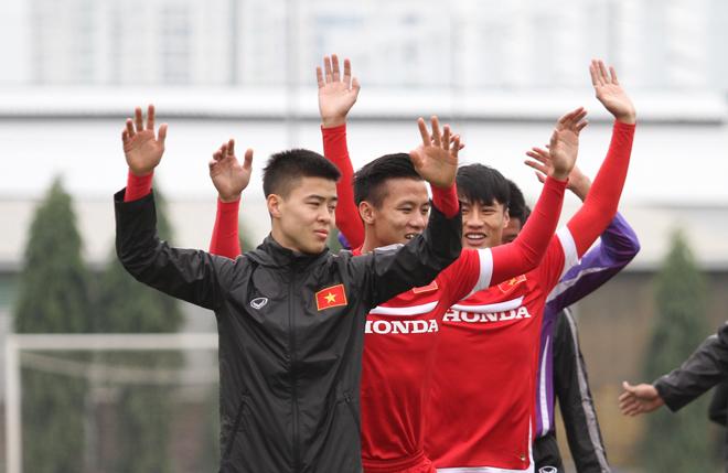 Tuyển Việt Nam tập buổi đầu tiên dưới thời HLV Hữu Thắng - ảnh thể thao