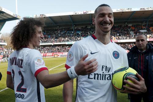 Ibrahimovic ghi bốn bàn trong ngày PSG vô địch Ligue I