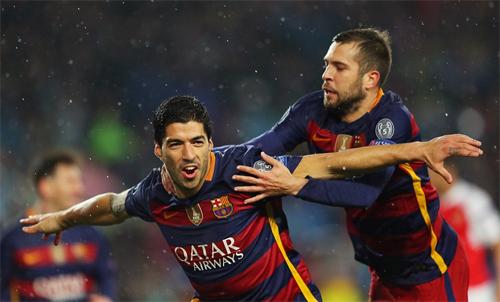 Suarez ngạc nhiên vì cách ghi bàn vào lưới Arsenal