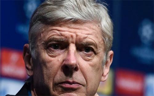 Wenger: 'Cầu thủ Barca biến điều bình thường thành nghệ thuật'