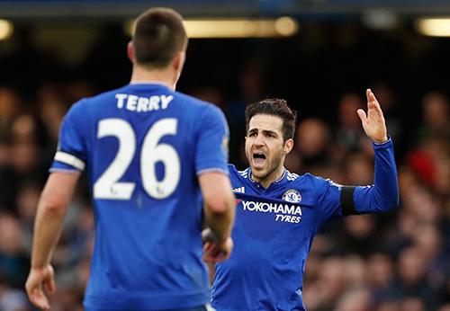 Fabregas cứu thua ngoạn mục cho Chelsea