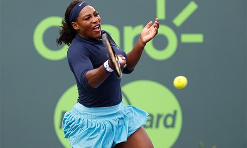 Serena Williams thắng vất vả trận đầu tại Miami Open