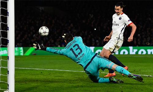 Ibrahimovic thừa nhận đang được Arsenal, Chelsea mời gọi