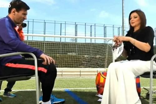 Messi bị sỉ nhục ở Ai Cập vì tặng giày làm từ thiện