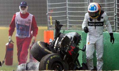 Alonso lỡ GP Bahrain vì chấn thương ngực