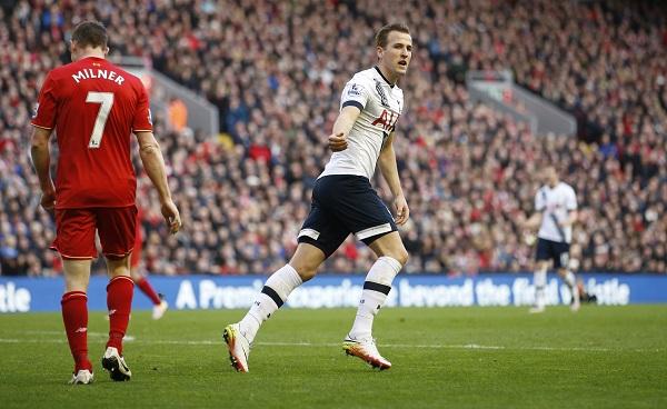 Tottenham để Liverpool níu chân trên đường đua vô địch