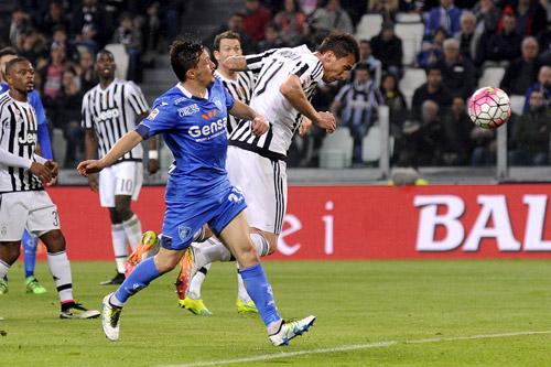 Juventus tiến gần tới chức vô địch Serie A
